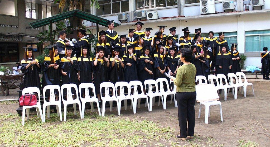 Grad_Pictorials_Morning_24.JPG